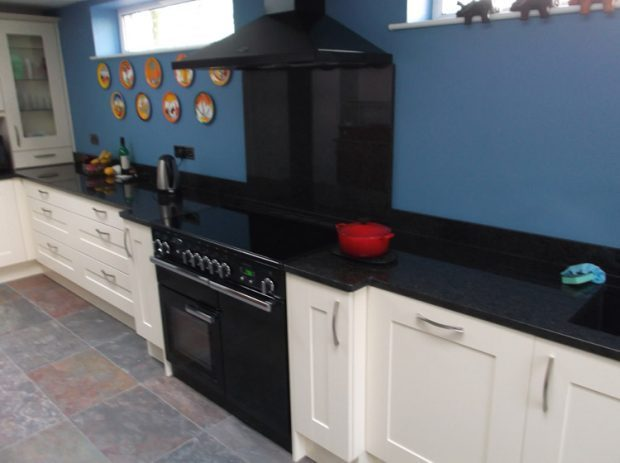Mr mrs plaister design works kitchens for Bespoke kitchen design nottingham