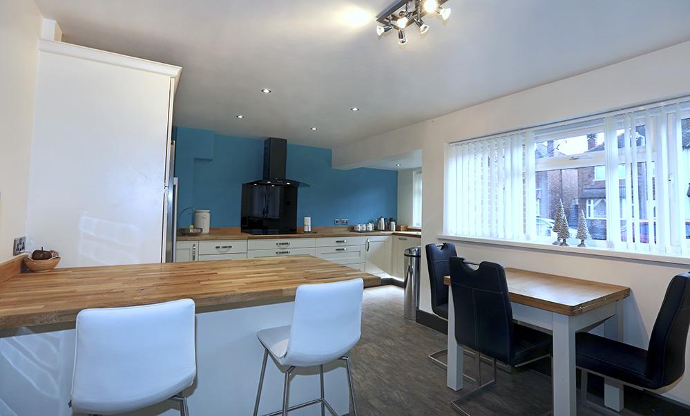 Mr shotbolt design works kitchens for Bespoke kitchen design nottingham