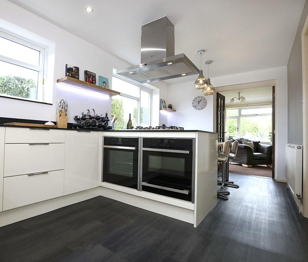 Chris sonia design works kitchens for Bespoke kitchen design nottingham