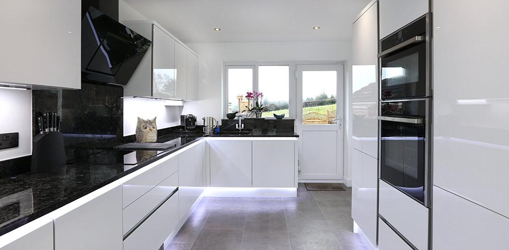 Mr mrs haynes design works kitchens for Bespoke kitchen design nottingham