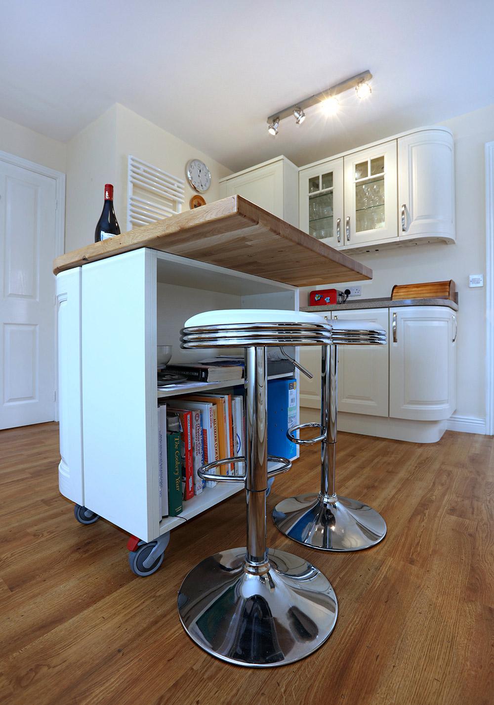 Mr mrs bowles design works kitchens for Bespoke kitchen design nottingham